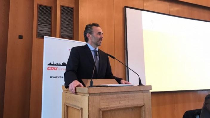 gut aufgelegt bei toll besuchten Kreisparteitag: Kreisvorsitzender Thomas Jarzombek
